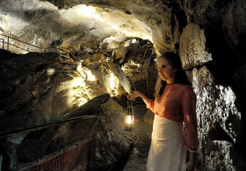 lantern tours at Crystal Cave